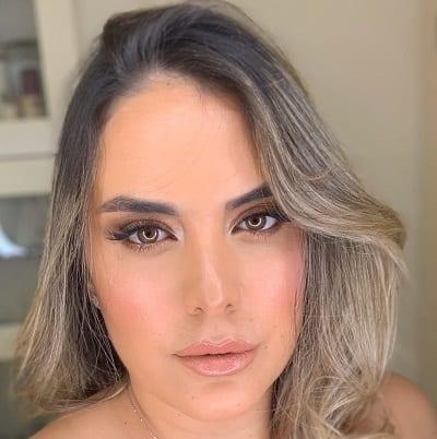 פנים אישה